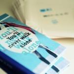 Auch für Fußballfans hält der KingKing Shop einige Literatur bereit. Foto: Nina Stiller Photography