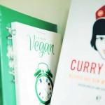 Auch bei den Kochbüchern gilt: Sie müssen besonders sein. Ob vegan oder mit Fleisch ist dabei zweitrangig. Foto: Nina Stiller Photography