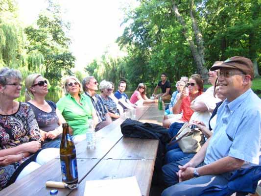 Heiter über die Oker - Das Publikum genießt die Tour Die Oker lacht. Foto: BSM