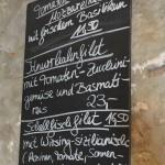 Ralf Brodocz kocht vor allem saisonal - deshalb auch die handgeschriebene Speisekarte. Foto: BSM