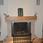Gemütlich wird es vor einem der zwei Kaminen im Wirtshaus. Foto: BSM