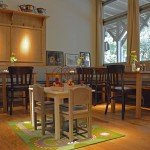 Ideal für Familien mit Kindern: eine in den Raum integrierte Spielfläche. Foto: BSM