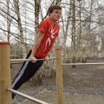 Beim Stützspringen werden Sprung- und Armkraft trainiert.