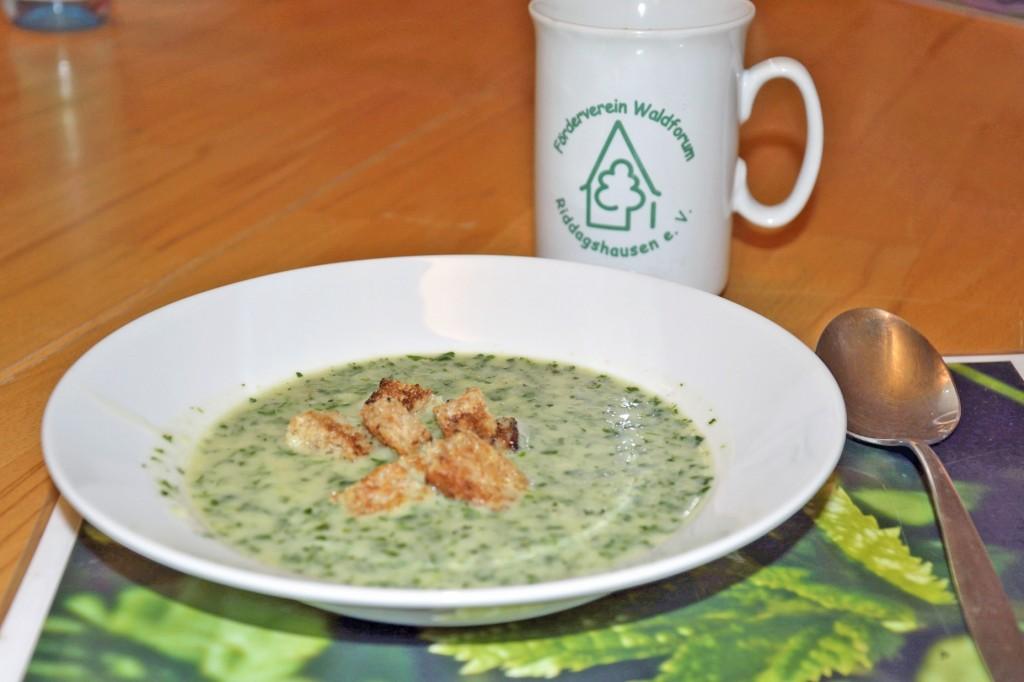 Yummy. Die wärmende Suppe haben wir uns nach der Suche redlich verdient. Foto: BSM