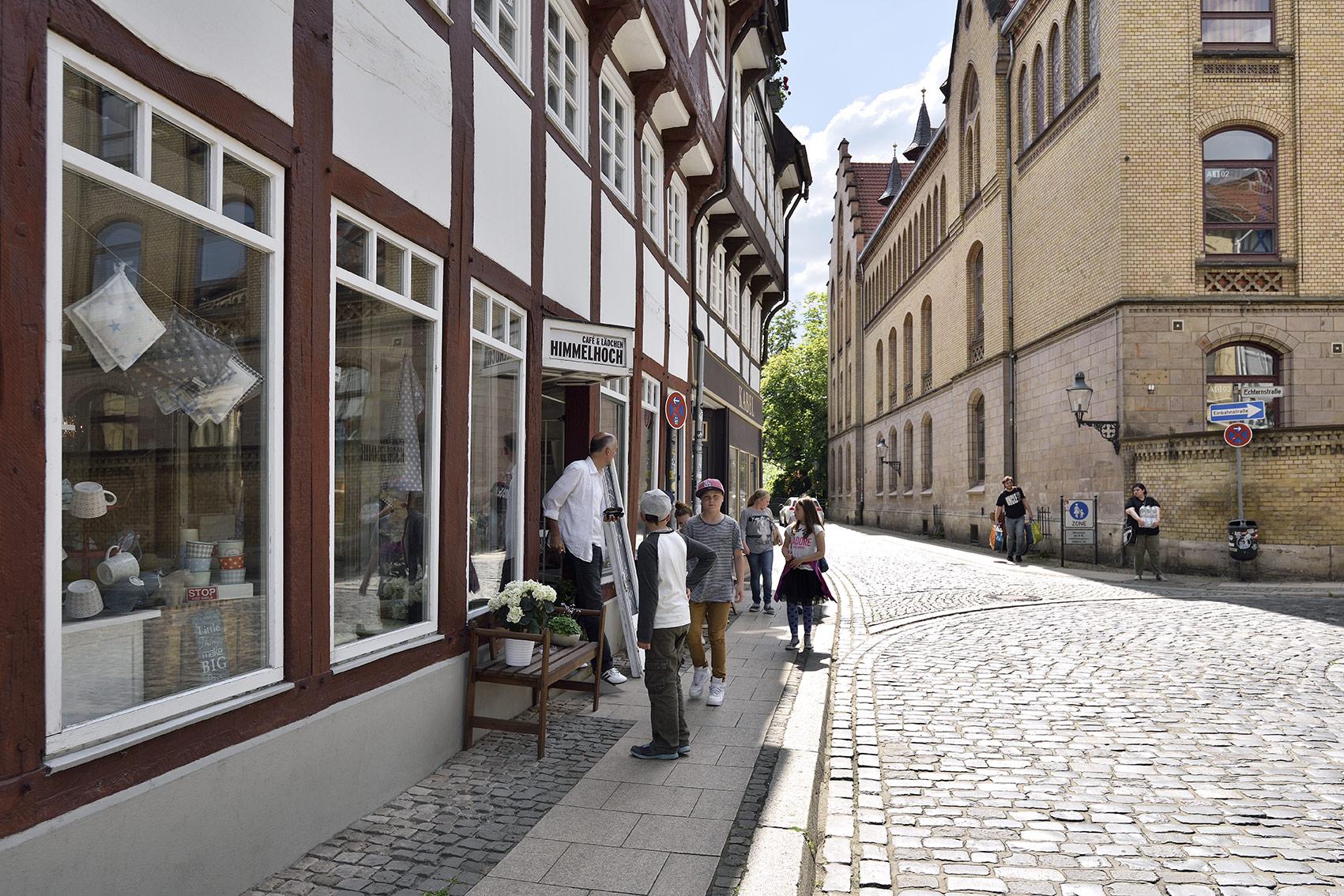 Das Café und Lädchen Himmelhoch befindet sich im alten Fachwerkhaus in der Prinzenstraße. Foto: BSM/Daniel Möller