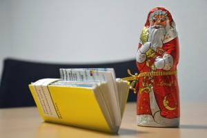 Ein Reclam-Buch wird zur Gutscheinverpackung. Foto: BSM