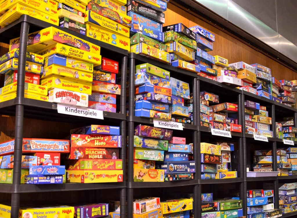 Schwierige Entscheidung: Rund 500 Spiele konnten bei der Messe ausprobiert werden. Foto: BSM