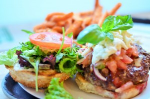 Saisonale Burger gibt es im Brunswick Burgers. Foto: Annanikabu