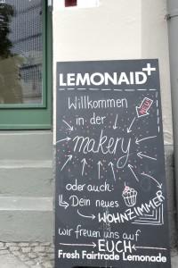 Café makery im Magniviertel, Eingansschild