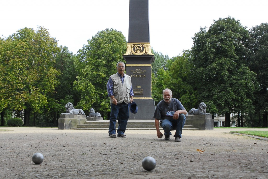 Wer beweist beim Boule-Spielen das nötige Feingefühl? Foto: Braunschweig Stadtmarketing GmbH / David Taylor