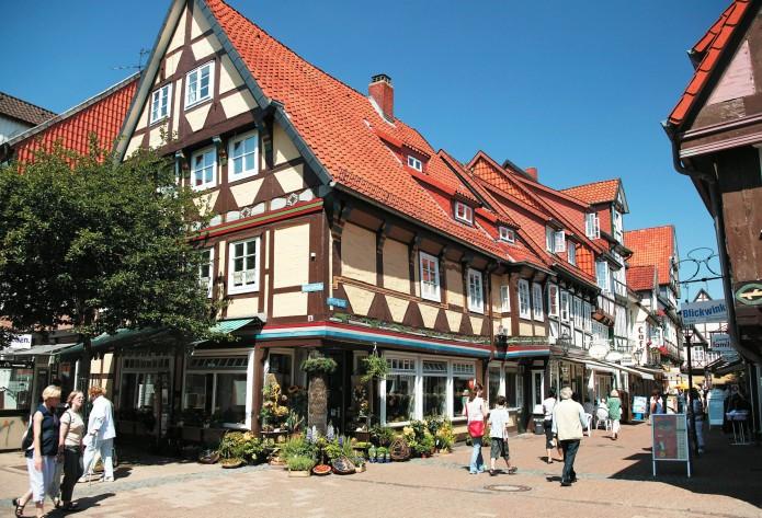 Piltzergasse in Celle: Schöne Fachwerkhäuser und inhabergeführte Läden. Foto: ©CTM GmbH; www.celle-tourismus.de