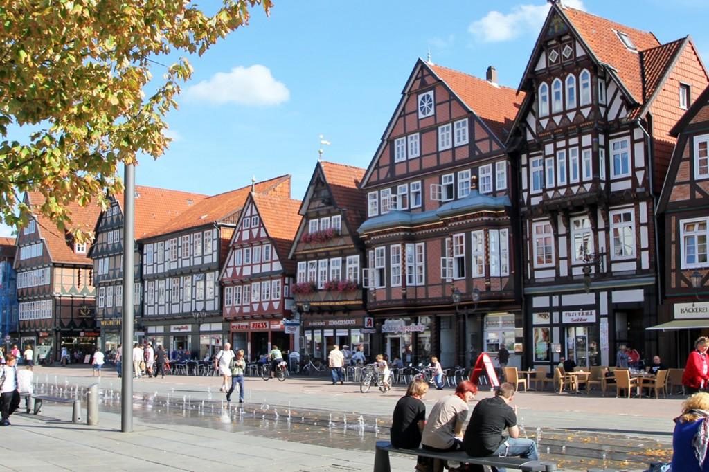 Die Stechbahn in der Altstadt in Celle lädt zum Verweilen ein. Foto: ©CTM GmbH; www.celle-tourismus.de