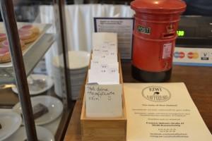 Für Dauergäste: Wer möchte, kann sich im Kapai-Kaffeehaus eine Bonuskarte anlegen lassen. Foto: BSM