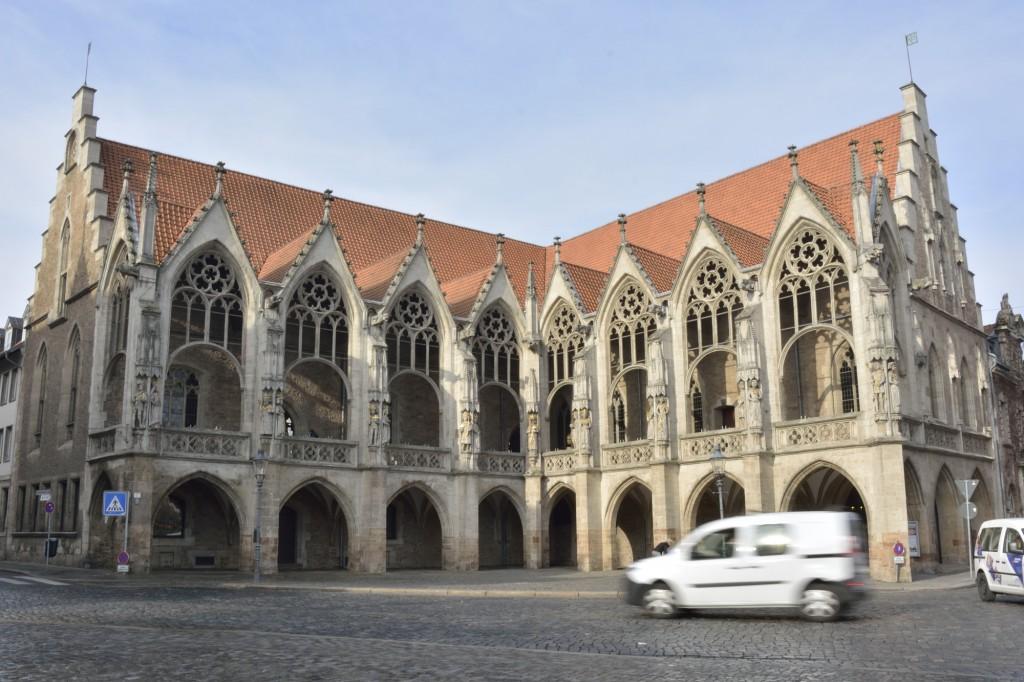 Vom Balkon des Altstadtrathauses hat Johannes Bugenhagen 1528 seine Braunschweiger Kirchenordnung verkündet. Foto: BSM