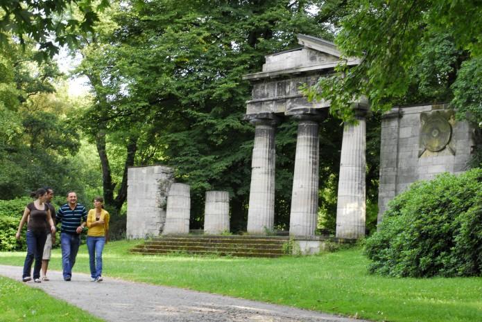 Flanieren im Bürgerpark. Foto: Philip Steffen