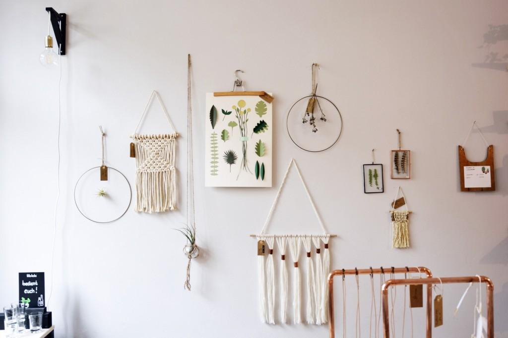 Bilder, Makramees, Pflanzen, die Wandgestaltung zeigt jeden Tag neue Ideen. Foto: BSM