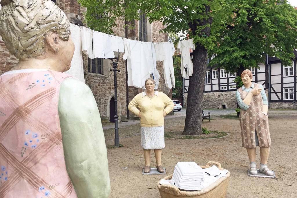 Waschfrauen auf dem Magnikirchplatz in Braunschwieg. Foto: BSM