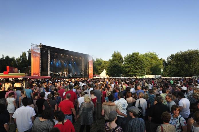 Beim Raffteich Open Air treten Philipp Poisel, Silbermond und ALLE FARBEN auf.