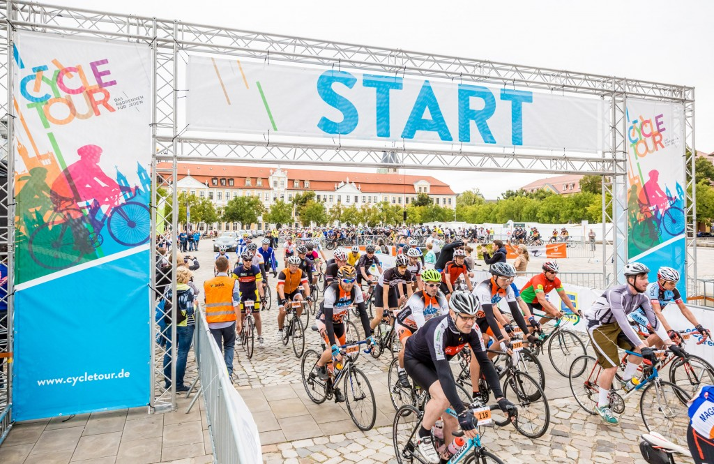 Impressionen vom Start der Cycle Tour 2016 in Magdeburg. Foto: Andreas Lander/Cycle Tour