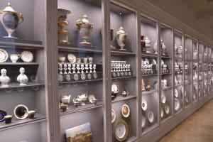 Porzellansammlung in der Abteilung Angewandte Kunst. Foto: BSM
