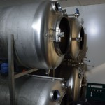 Das Bier wird in 10 Tanks á 1000 Liter gelagert. Foto: BSM