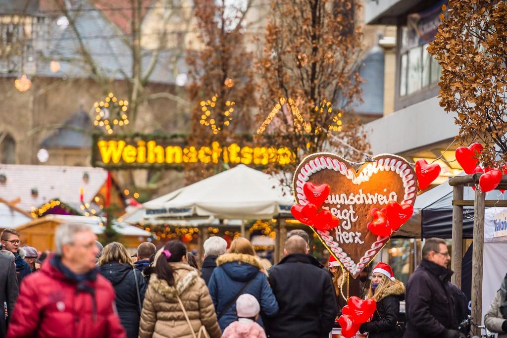 """Im Dezember kann man wieder die Aktionsstände von """"Braunschweig zeigt Herz"""" besuchen. Foto: BSM/MoNo-Photography"""