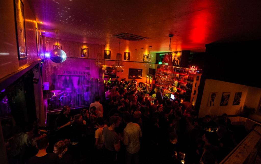 Das Dean´s After Work ist eine beliebte Party in der Löwenstadt. Foto: Nicolas Petrek
