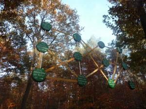 Bildung an der frischen Luft auf dem Wald-Erlebnis-Pfad Zweidorfer Holz. Foto: Walderlebnispfad