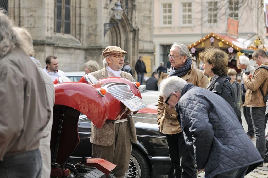 Oldtimerliebe, Autofaszination und Modebegeisterung: Am 5. und 5. Mai ist modeautofrühling in der Braunschweiger Innenstadt.