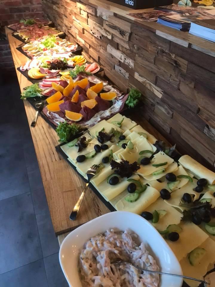 Plötzlich Café Besitzerin Leben In Der Löwenstadt