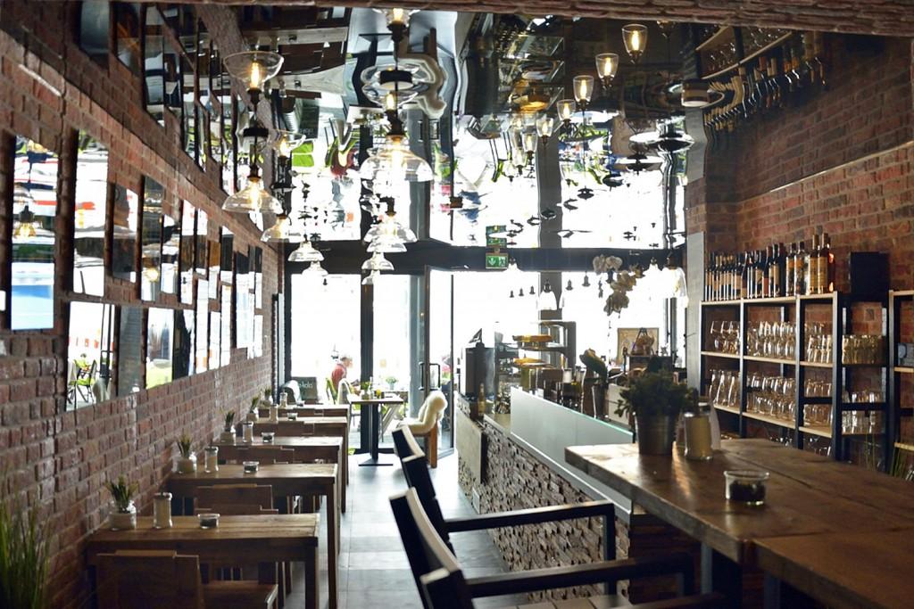Das Atelier erinnert Sally an die rustikal und gemütlich eingerichteten Cafés in Antalya. Foto: BSM