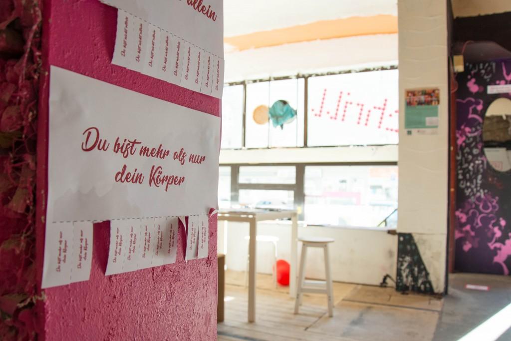 Als ich das Schrill besuchte, war eine Ausstellung zum Thema Feminismus zu sehen. Foto: BSM