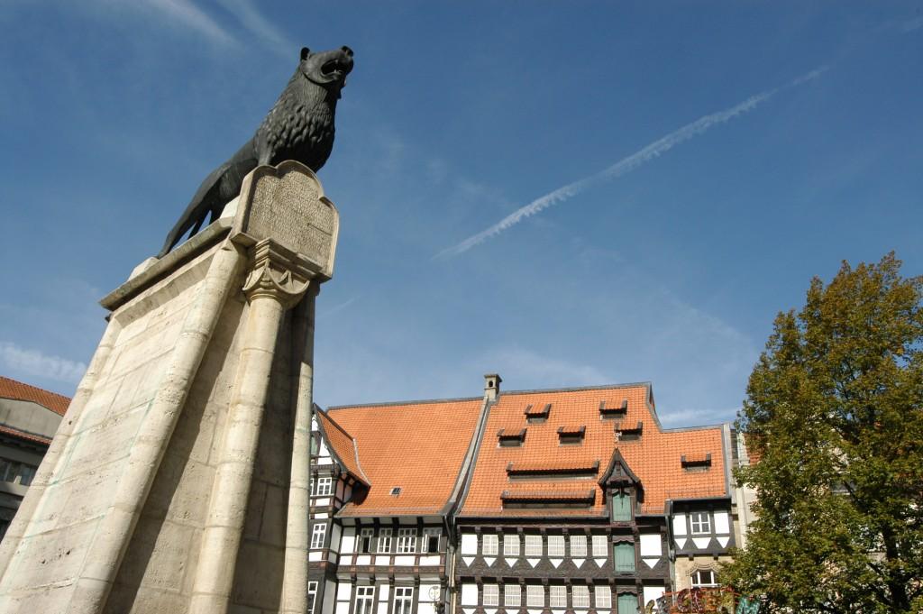 Ob im Wappen oder als Statue: Der Braunschweiger Löwe ist fest mit der Stadt verbunden. Foto: BSM