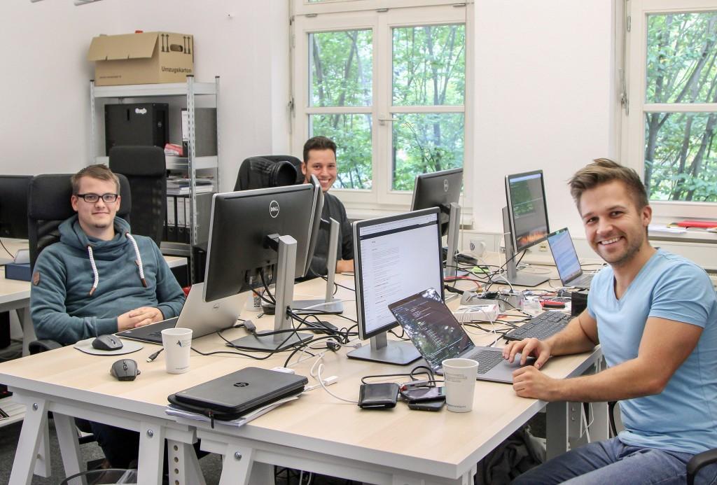 •Software-Entwickler und Mit-Unternehmer Marcel Kessler, Mathias Natho und Mathias Rudnik (v.l.n.r.). Foto: Stephen Dietl
