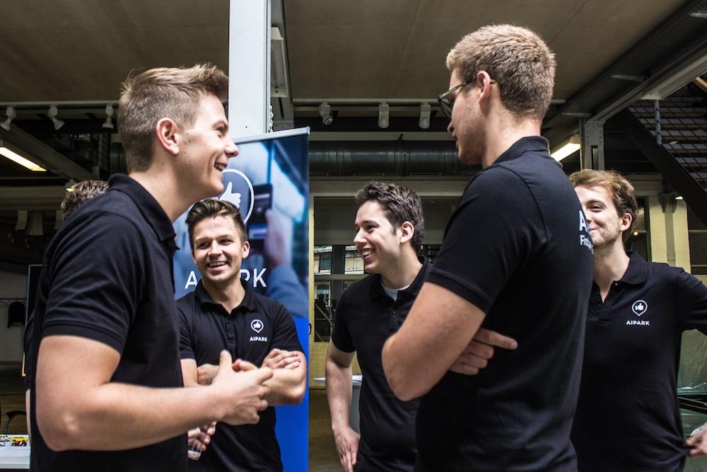 Das AIPARK-Team zu Besuch in den Wichmannhallen. Foto: AIPARK