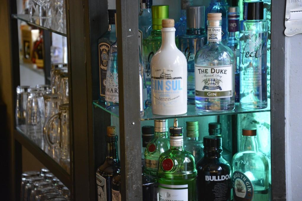 Hochwertige Spirituosen zählen zur Getränkeauswahl. Foto: BSM