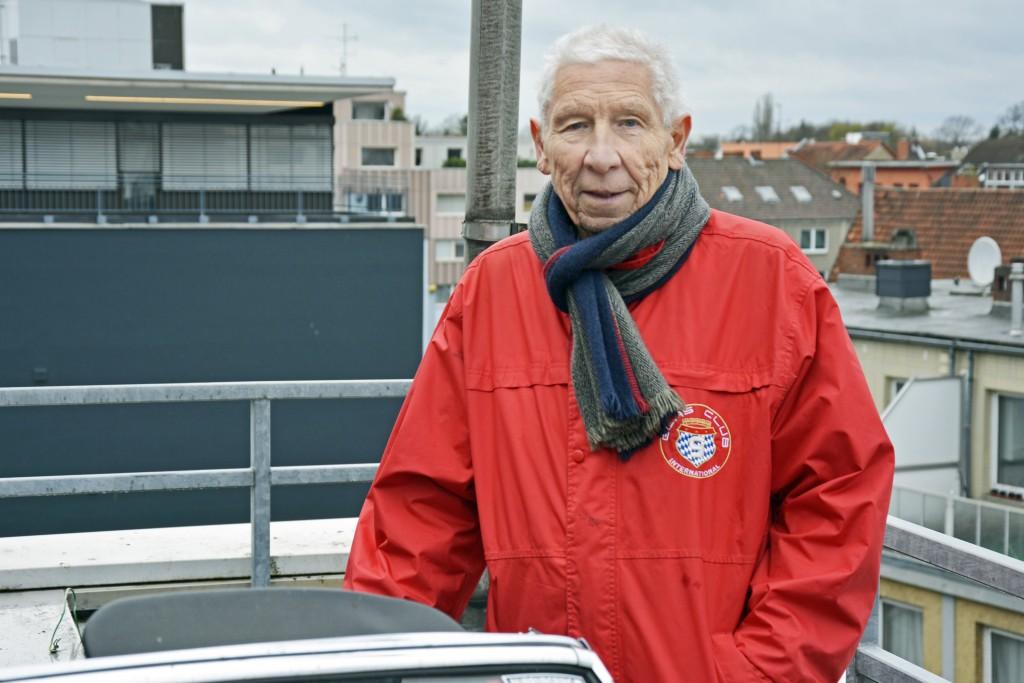 Joachim Bomba war schon immer ein Glas-Fan. Seit 1979 ist er auch im internationalen Glas-Automobilclub. Foto: BSM