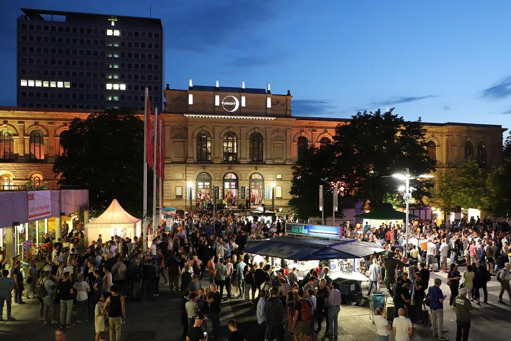 Stimmungsvoll wird es auch diesmal wieder auf dem Universitätsplatz. Foto:  Kristina Rottig/TU Braunschweig