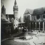 1932: ... auch wenn der Burgplatz sich verändert hat – unser Löwe ist geblieben. Foto: Stadtarchiv Braunschweig