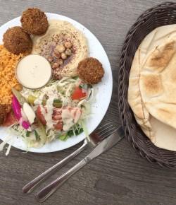 Zu Mittag … im Falafeli