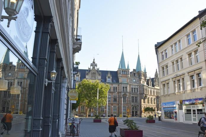Die Friedrich-Wilhelm-Straße in den frühen Morgenstunden. Foto: BSM.