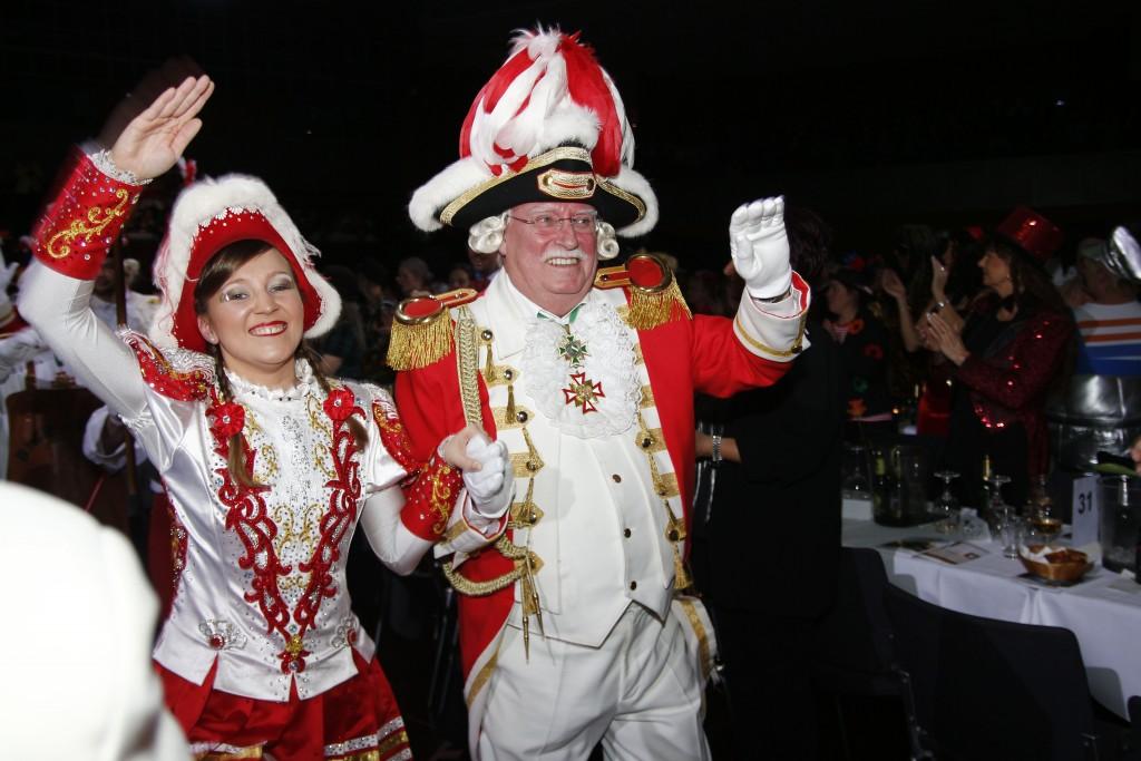 Funkenkommandant Peter Hosse und das langjährige Funkenmariechen Janine Schwieger