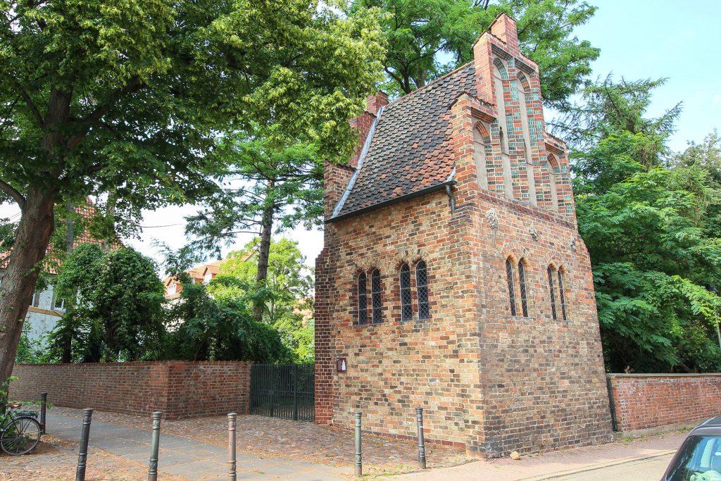 Die Braunschweiger Liberei ist ein kleines, mit Backsteinen gemauertes Gebäude aus dem Mittelalter.