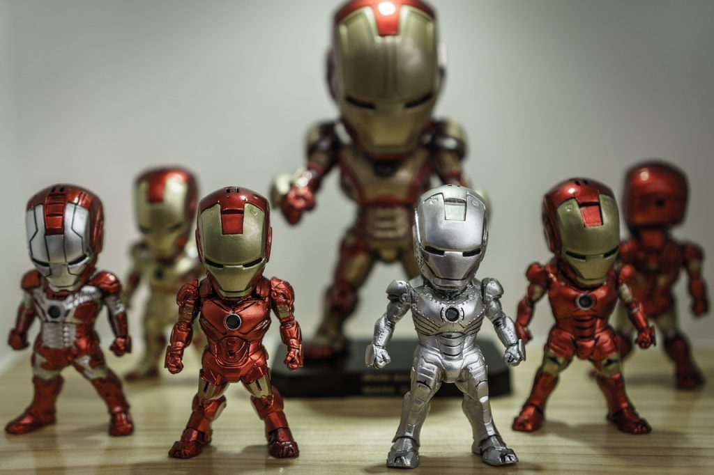Verschiedene Darstellungsformen der Comicfigur Iron-Man vom Marvel Verlag.