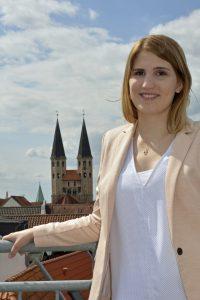 Alexandra Minding Portraitfoto
