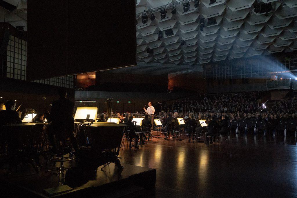 Blick auf das Staatsorchester in der Stadthalle Braunschweig.