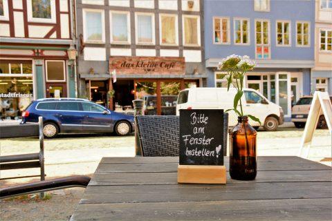 Das kleine Café im Magniviertel von außen.